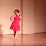 Dziewczynka tańczy salsę [VIDEO]
